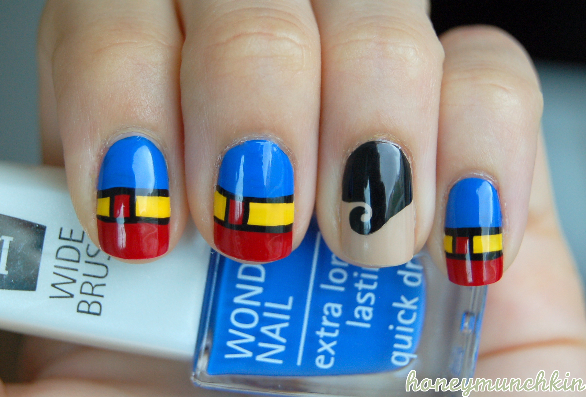 DC Superhero Nail Art series – Superman – honeymunchkin