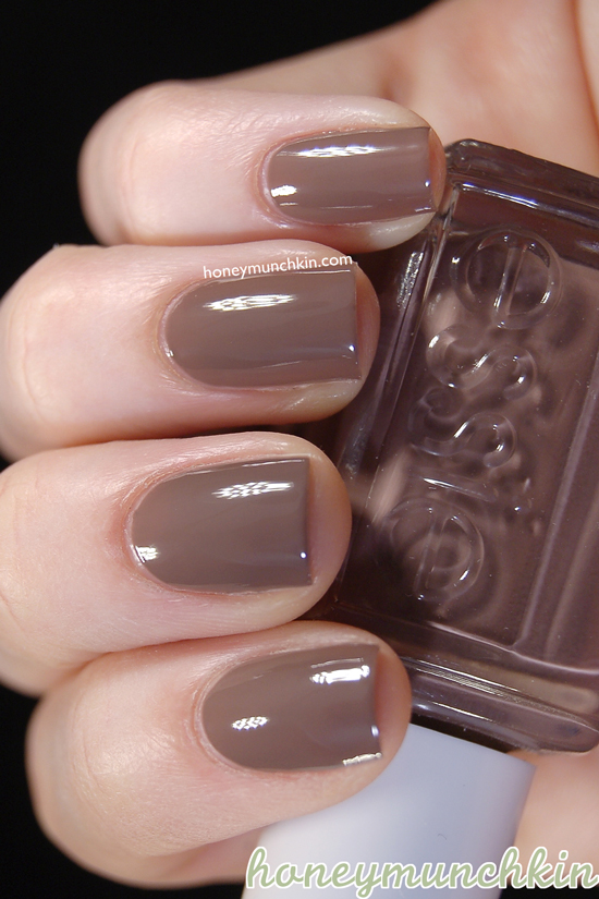 Swatch of Essie - 735 Hot Coco by honeymunchkin.com