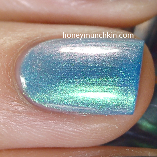 Max Factor - 014 Dazzling Blue detail from honeymunchkin.com