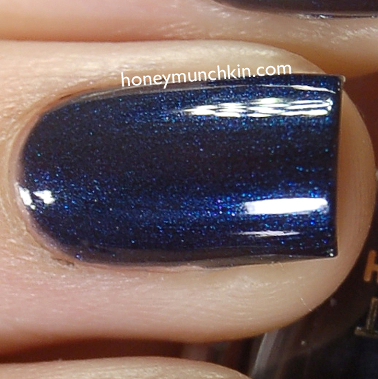 Max Factor - 018 Cloudy Blue detail from honeymunchkin.com