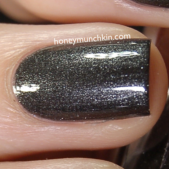 Max Factor - 019 Deep Grey detail from honeymunchkin.com