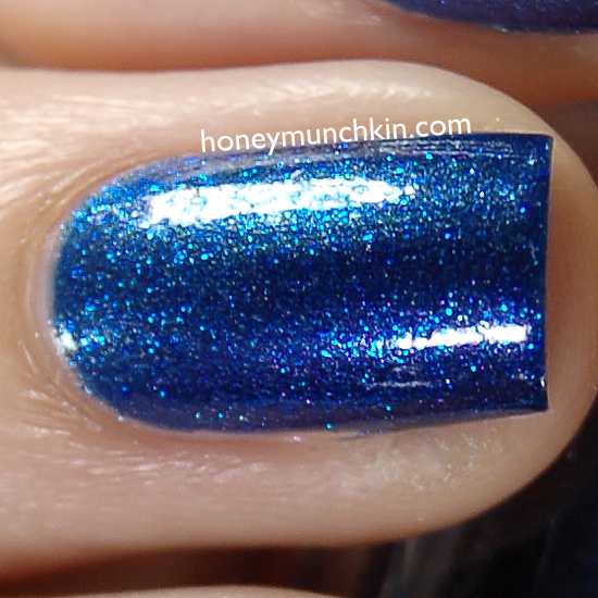 Max Factor - 043 Odyssey Blue detail from honeymunchkin.com