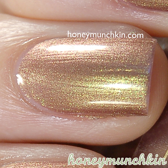 Rimmel Metal Rush - 70 Gold Save The Queen from honeymunchkin.com